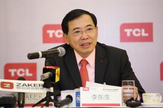【新闻高清图片1】第十二届全国人大代表,TCL集团董事长、CEO李东生与媒体见面,阐述发展战略新兴产业的意义.jpg